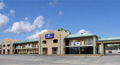 Americas Best Value Inn & Suites - Senatobia Photo