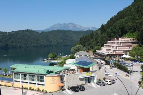 Park Hotel Du Lac Wellness Resort Photo