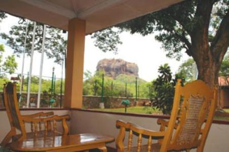Sigiriya Rest House Photo