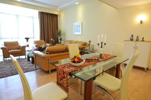 One Juffair Luxury Serviced Apartments Photo