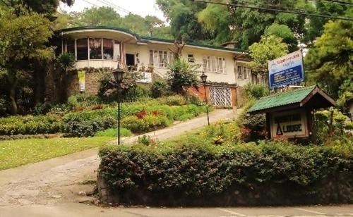 Mountain Lodge and Restaurant Photo