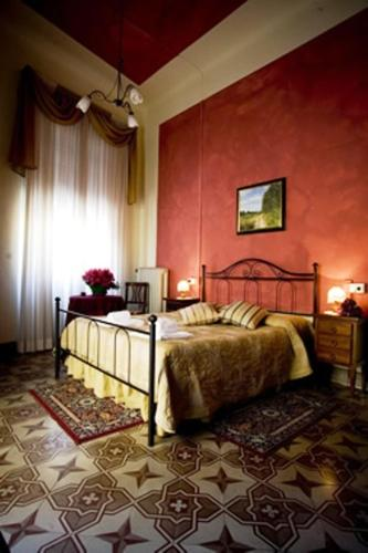 online booking Lucca lodging B&B Lucca In Centro