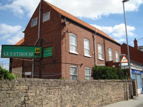 Acorn Lodge Guest House in Worksop, Nottinghamshire, Central England