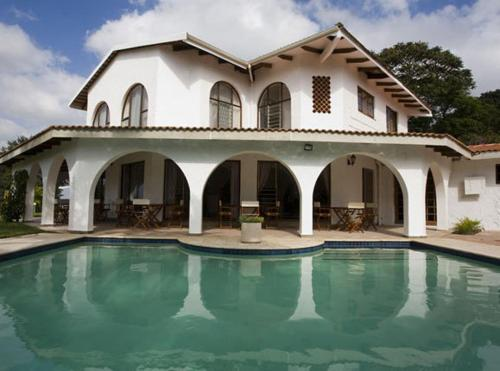 Bizafrika Guest Lodge & Conference Center Photo