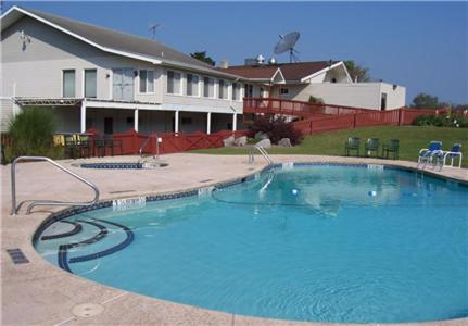 Byrncliff Resort & Conference Center Photo