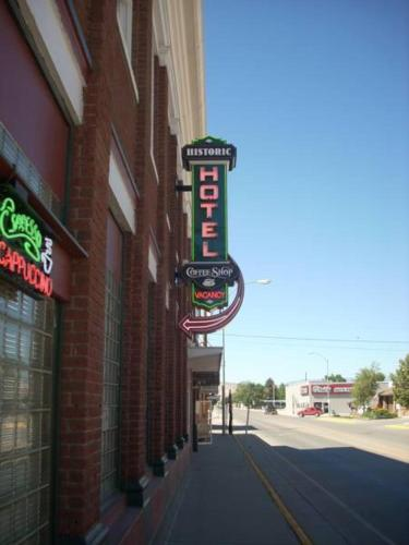 Historic Hotel Greybull Photo
