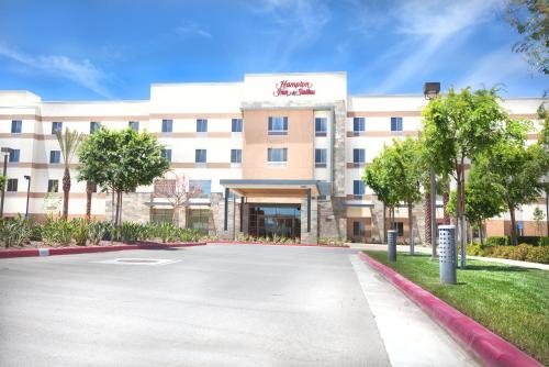 Hampton Inn & Suites Riverside/Corona East Photo
