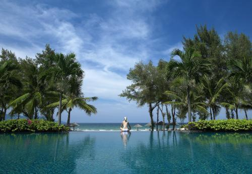 Furama Danang Resort & Spa Photo