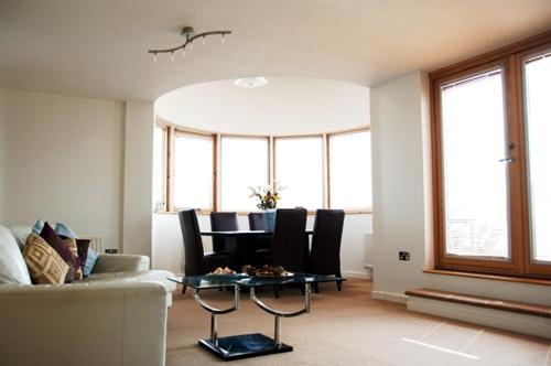 Your Space Apartment - Balmoral House Photo