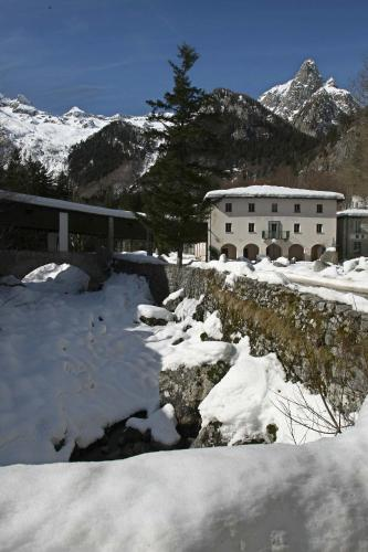 Relais Bagni Masino Terme & Spa Photo