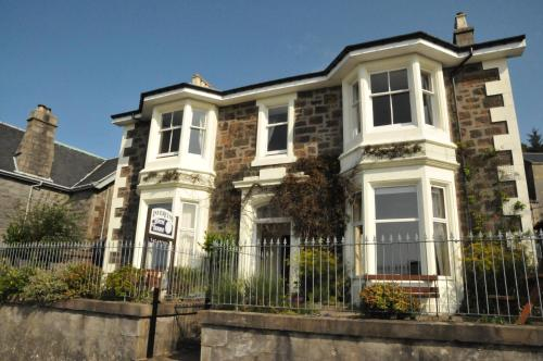 Invercloy Guest House in Oban, Argyll, West Scotland