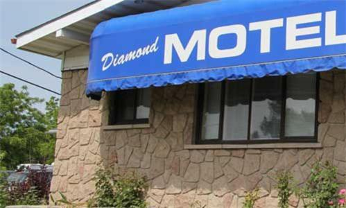 Diamond Motor Inn Photo