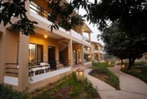 Corbett Comfortable Resort Hotel Ramnagar Low Rates No Booking Fees