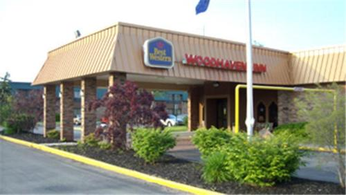 Best Western Woodhaven Inn Photo