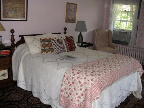 Genesee Country Inn Bed and Breakfast Photo