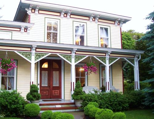 Arbor View House Bed and Breakfast Photo