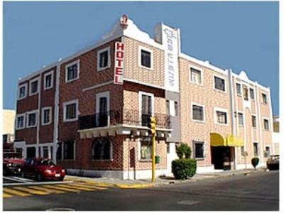 Hotel Castellanos Photo