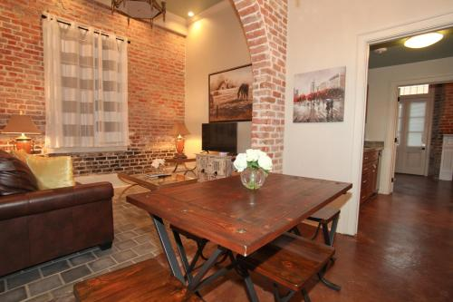 book french quarter luxury two bedroom suite 1204 new orleans la
