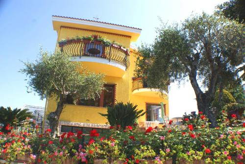reservation Bordighera lodging La Finestra Sul Mare