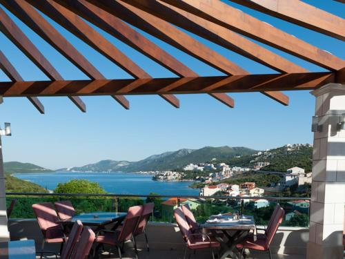 cheap hotels Neum