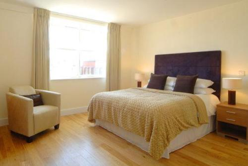 Number 18 Serviced Apartments in Reading, Berkshire, South East England