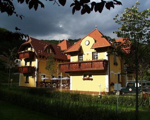 Hotel Szeleta Photo