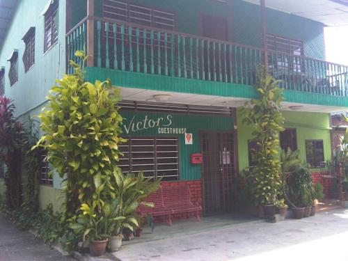 Victor's Guest House & Chalet Photo