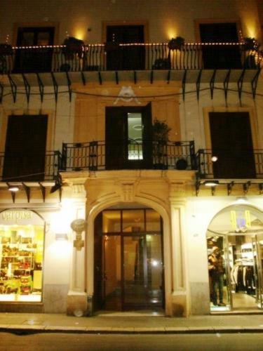 online booking Palermo lodging Albergo Verdi