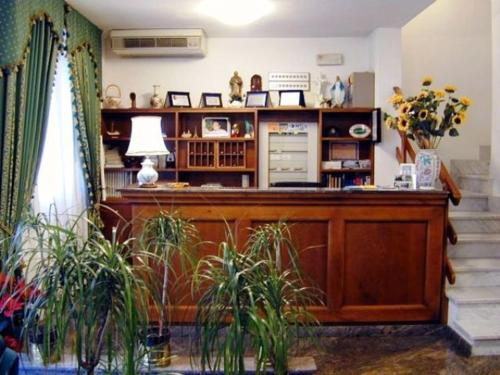 online booking Viareggio lodging Astoria