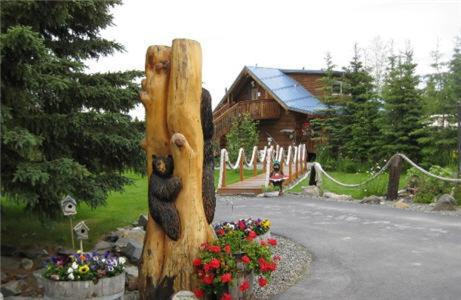 Caribou Crossing Cabins Photo