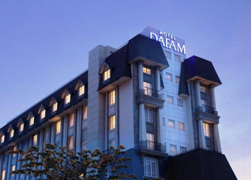 Dafam Hotel Semarang Photo