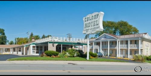 Colony Motel Photo