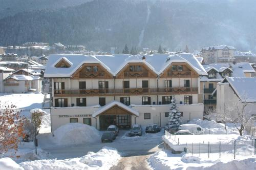 online booking Andalo lodging Hotel Canada