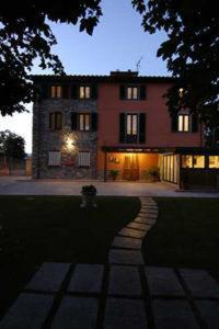 online booking Lucca lodging B&B Le Giare
