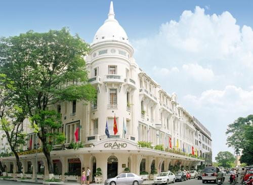 Grand Hotel Saigon Photo
