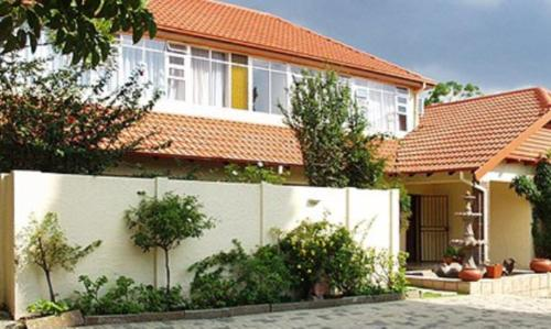 The Savoy Guest House Photo