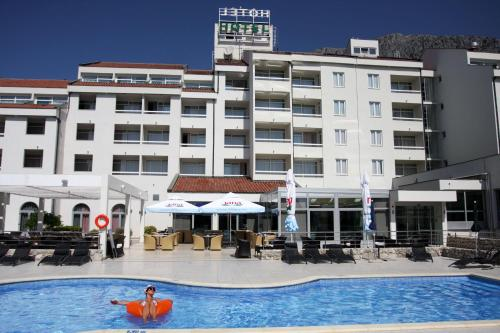 Hotel Quercus Photo