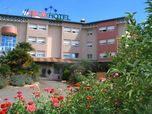 Hotel Abor Photo