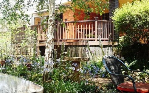 The Birches Backpackers Lodge Photo