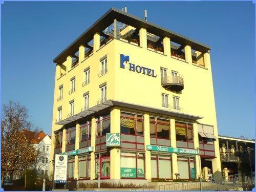 Center Hotel Rabenstein Photo