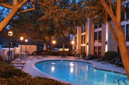 Hampton Inn Dallas-Addison Photo