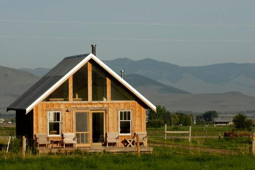 Foothill Farm Cabin Photo
