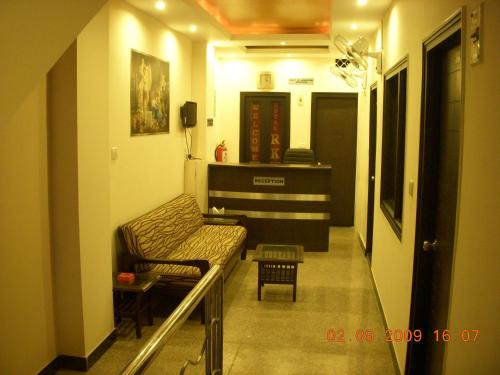 Hotel RK Delhi Photo