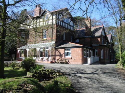 Heathercliffe Country House Hotel in Frodsham, Cheshire, North West England