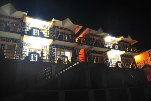 Kodai Inn Photo