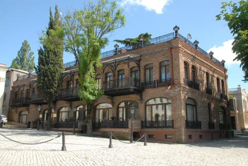Hotel Pirosmani Photo