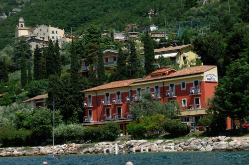 online booking Torri del Benaco lodging Hotel Menapace