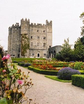 Kilkea Castle Hotel Photo