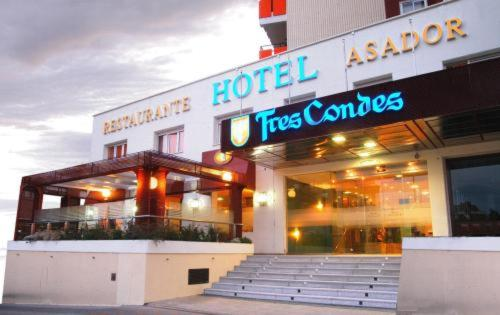 Hotel Tres Condes Photo