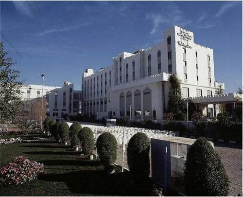 Holiday Inn Muscat - Al Madinah Photo